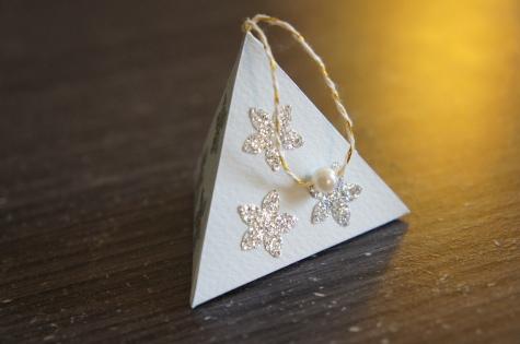 Pyramide en papier